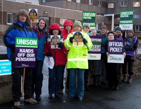 Union members picketing the Gilbert Bain Hospital.