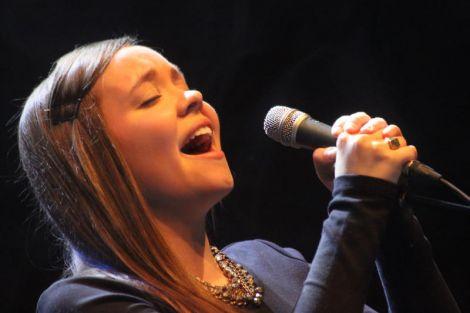 Spine tingling singing from Coig's Rachel Davis. Photo Davie Gardner