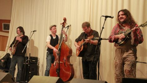 Leon Hunt n Tet (as in quartet here) having a 'bloody excellent time'. Photo Olivia Abbott