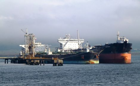 The Aberdeen and Overseas Yosemite berthed at jetty 4 at Sullom Voe - Photo: John Bateson.