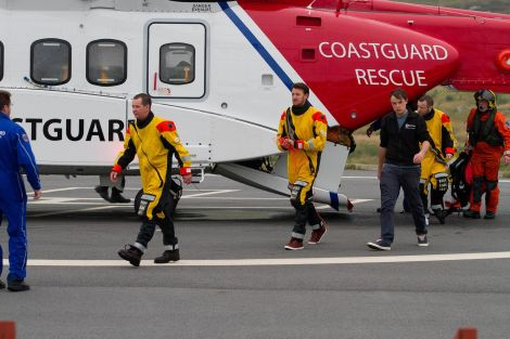 Casualties arriving at the Clickimin landing site - Photos: Garry Sandison