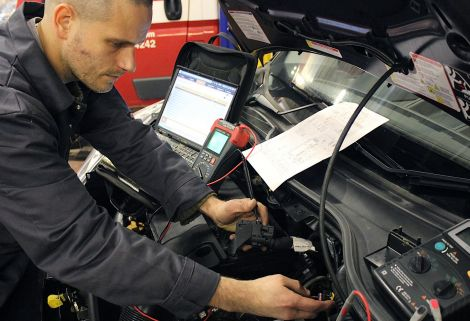 Consultant Technician Adam Roberts has over 10 years experience diagnosing faults with specialist Citroen equipment.