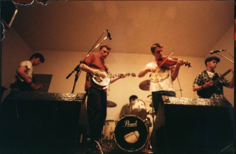 Bongshang, with Leonard Scollay on fiddle, performing at Bressay Hall in 1995. Photo: Jo Redman.