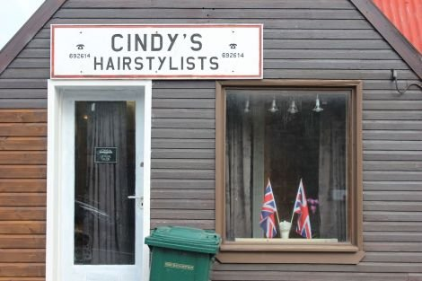 Cindy's parades its loyalty to the United Kingdom. Photo Shetnews