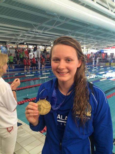 Andrea Strachan with her gold medal - Photo: Shetland Swimming Team