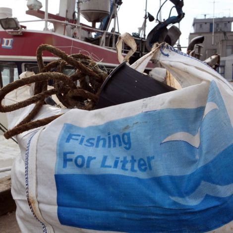 The Fishing for Litter campaign provides bags for fishermen to collect sea-borne rubbish and bring it ashore. Photo Kimo International