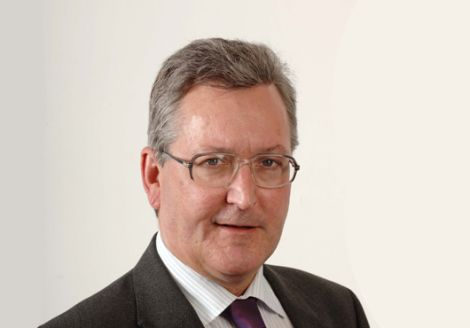 New rural economy minister Fergus Ewing has apologised for this year's CAP payments debacle, overseen by his predecessor Richard Lochhead.