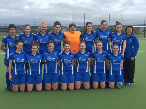 Shetland's hockey team line-up before the match in Orkney. Photo: BBC Radio Shetland