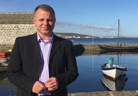 Loganair managing director Jonathan Hinkles pictured in Shetland in October. Photo: Shetland News/Hans J. Marter