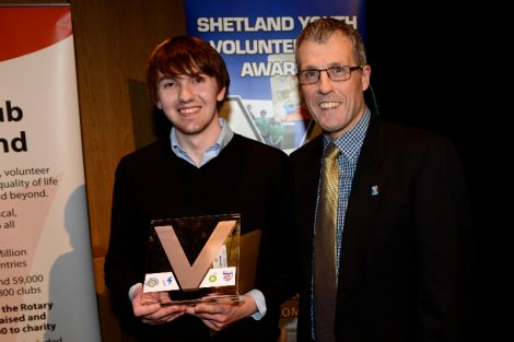 Individual winner Thomas Hawick with Dennis Leask of the Rotary Club.