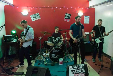 Covers band Boyz Aloud played at the Mid Brae Inn for a CLIC Sargent fundraiser. Photo: Steven Johnson.