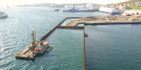 Having successfully turned the corner, the drilling and piling teams pressed on to the north end of the pier. Photo: Tulloch Developments