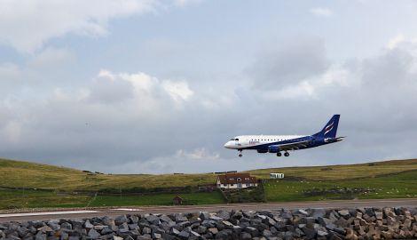 The Flybe/Eastern Airways Embraer arriving at Sumburgh last week. Photo: Shetland News/Hans J. Marter.
