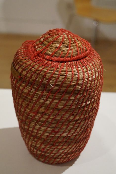 Montbretia basket with lid by Jeanette Nowak