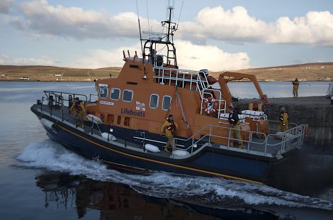 Lerwick lifeboat leaving its berth in a hurry on Wednesday evening. Photo: David Spence