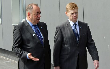The islands bill is the culmination of a five year long process that started with the Lerwick Declaration made by then First Minister Alex Salmond during a visit to Shetland in July 2013. He is seen here with SIC council convener Malcolm Bell. Photo: Hans J Marter/Shetland News