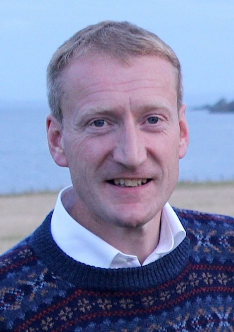 Shetland MSP Tavish Scott thinks a more efficient heating system could help to save money at Sumburgh Airport.
