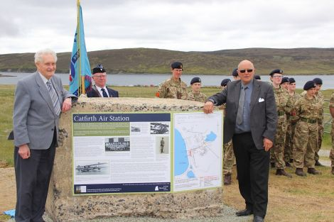 The comparative plaque and information board were unveiled by Magnie Williamson (left) and Crichton Irvine. All photo: Hans J Marter/Shetland News
