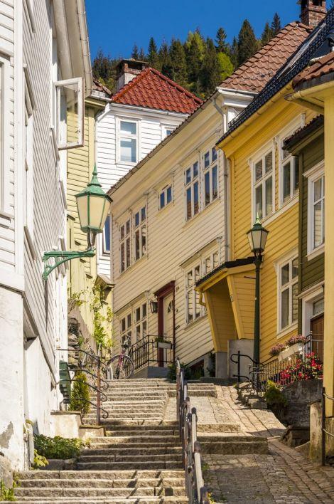 Houses in Bergen. Photo: Bergen Reiselivslag / Robin Strand - visitBergen.com